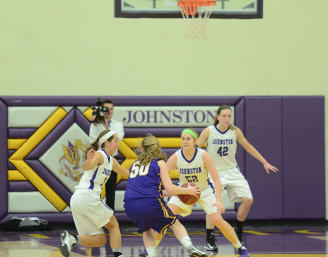 Number+20%2C+sophomore+Haylee+Towers+and+number+52%2C+senior+Taylor+Joens+guard+a+Waukee+player+as+she+looks+to+pass+the+ball.