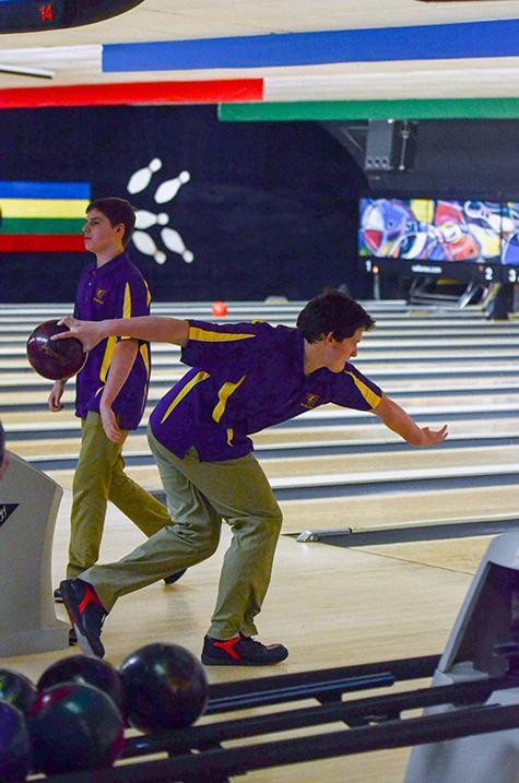 Bowling+strikes+through+the+competition