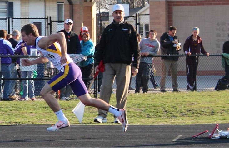 Junior Connor Wunsch starts off his 400 meter dash at the Urbandale Invite April 17.