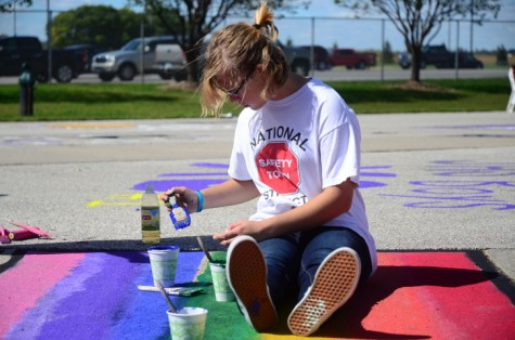 Teams, clubs paint stadium for homecoming
