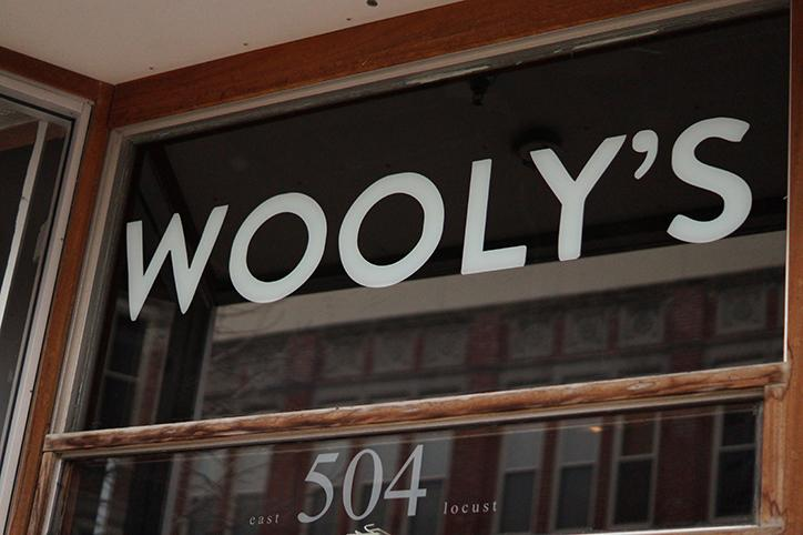 Exclusive+look+into+music+venue+Woolys