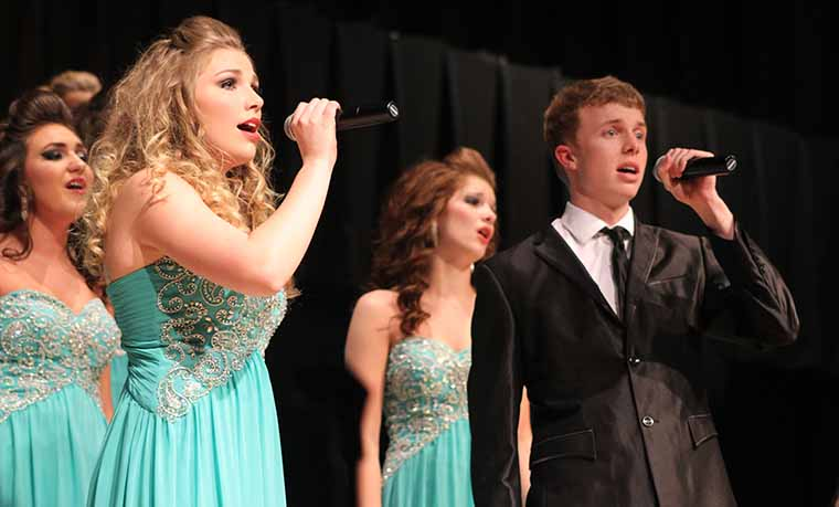 Anelise Gerbard '18 sings a duet with Brady Lorenz 17 during Innovation's ballad song, Vienna. Innovation placed first in four out of five of their performances.