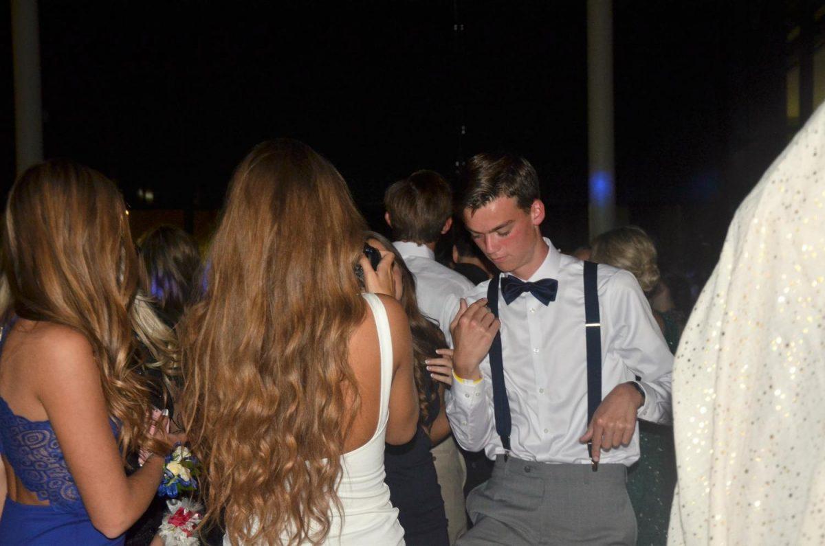 Will Stenger '18 dances for Snapchat.