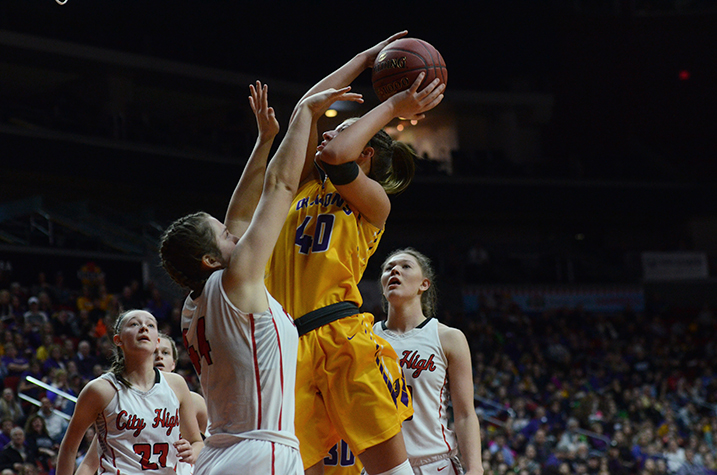 Girls' Basketball loses to Iowa City High 58-52 in state semifinal