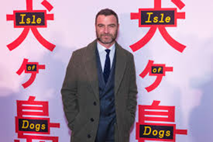 Liev+Schreiber%2C+voice+of+Spots%2C+at+a+screening+of+Isle+of+Dogs.+Picture+provided+by+commons+Wikimedia.org.