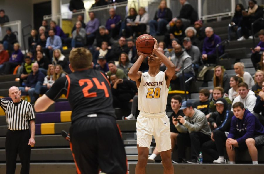 Boys Basketball Loses to Valley in Low Scoring Affair