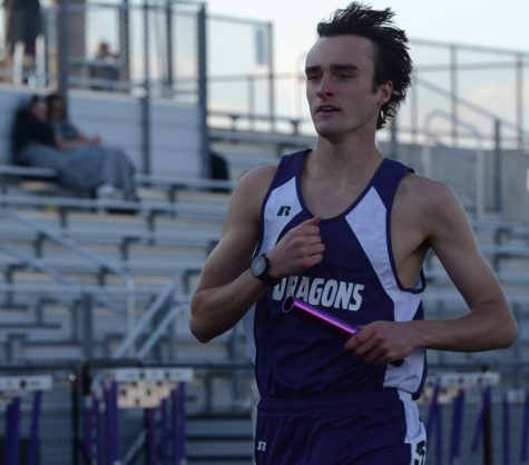 Boys' varsity track competes in first early bird invitational