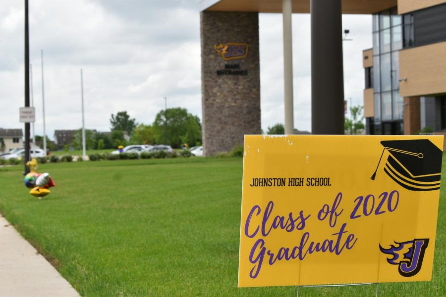 One of the various signs places around the grounds celebrating the 2020 graduating class.