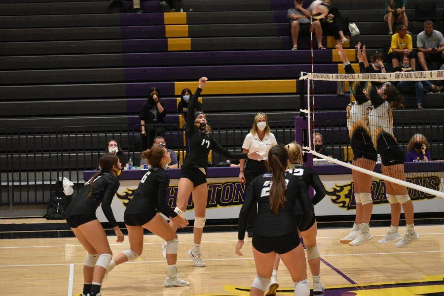 Volleyball Defeats Southeast Polk On Senior Night