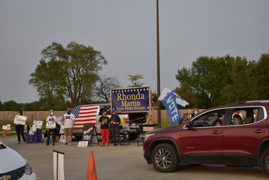 Volunteers promoting the Rhonda Martin campaign, a candidate for the Iowa Senate.