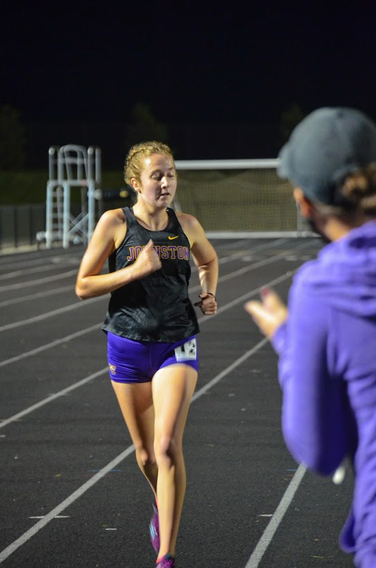 Abbie McLaren '21 runs to the finish line in the two mile Sep. 24.