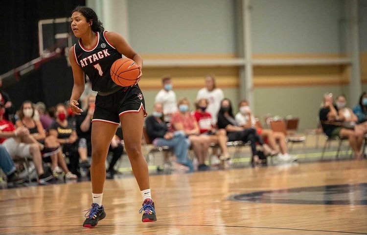 Women's Basketball Picks Up a Very Talented Transfer