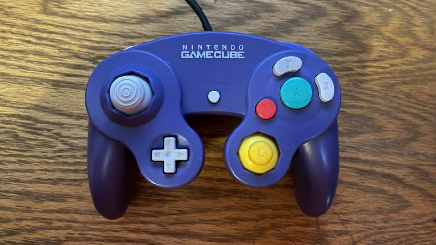 The GameCube controller has the most used button, the A button, being the biggest button on the front surrounded by the BXY buttons. The button placement can make This controller clunky to use with games not made specifically with it in mind.