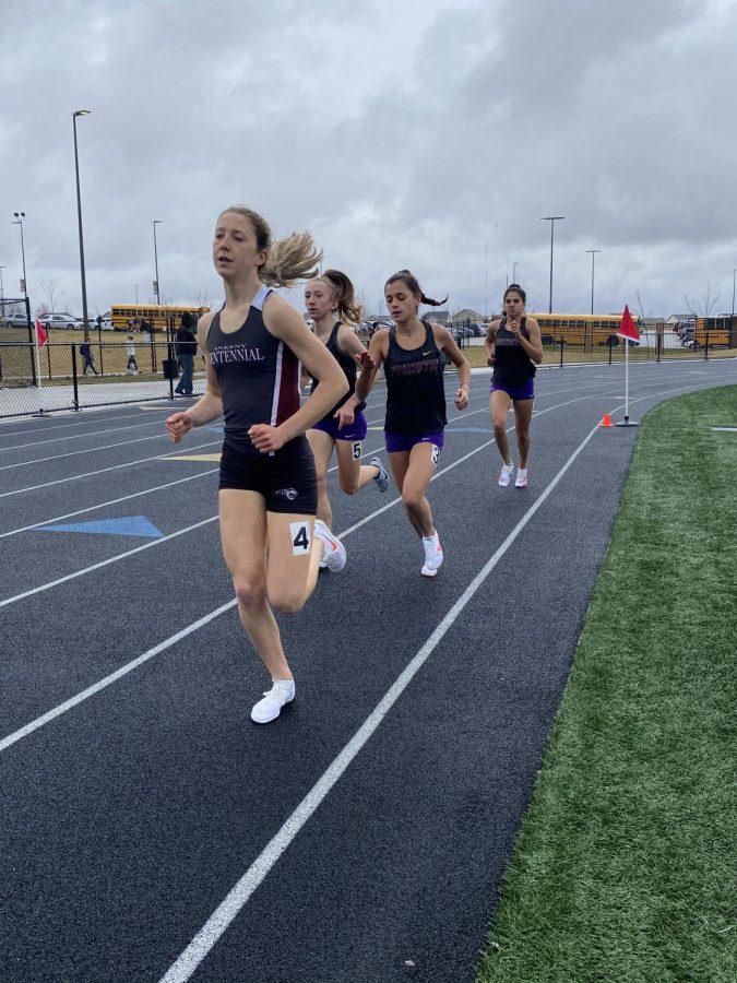 Faith Nead 22 Aleah Tenpas 22 Olivia Verde 24 participate in the 3000m run.