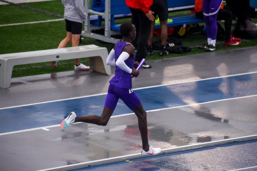 Yohana Yual '21 on his last 50m of the 4x800 meter relay.
